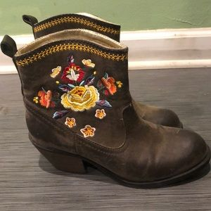 Rocket dog floral booties
